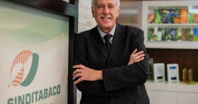 Iro Schünke é reeleito presidente do SindiTabaco