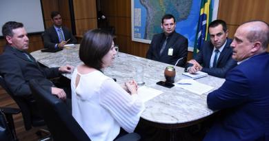 Executivo e Legislativo buscam recursos para Sinimbu em Brasília